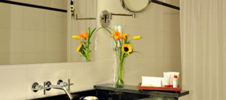 Baño de Suites.  Fuente: sht.com.co